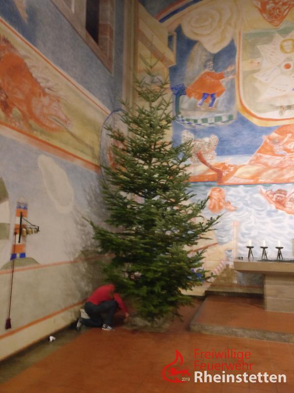 191220 Christbaum stellen 01